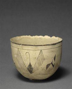 > #objetdujour < #Vase de suse ( #Iran ) en céramique et terre cuite… Antique Pottery, Ceramic Pottery, Pottery Art, Porcelain Pens, Ceramic Bowls, Pottery Videos, Persian Motifs, Ancient Near East, Ancient Mesopotamia