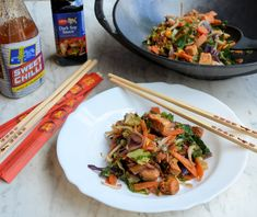 Easy Chinese Diet Recipe for National Vegetarian Week: Rainbow Stir-Fry with Quorn. I would make this with chicken or maybe even beef. good for the Fast Diet (aka Diet) Healthy Recipes For Weight Loss, Healthy Foods To Eat, Healthy Dinner Recipes, Healthy Snacks, Vegetarian Recipes, Healthy Eating, Healthy Life, Quorn Recipes, Diet Recipes