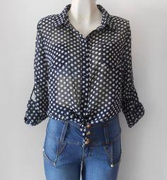 #Camisa #azul marino con #lunares blancos y amarre al frente. Muy fresca y #juvenil.