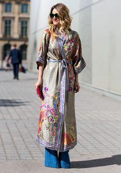 Paris Couture Week 2015 : les plus beaux looks de street style Style Kimono, Mode Kimono, Kimono Outfit, Kimono Fashion, Boho Fashion, Fashion Outfits, Kimono Jacket, Style Fashion, Couture Week