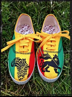 Hey, I found this really awesome Etsy listing at https://www.etsy.com/listing/184972119/unisex-rasta-sneakers-king-of-judah