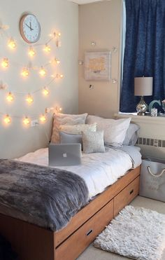 Dorm Room Design Ideas See more ideas about dorm room college room and college dorm rooms. Weve rounded up some dorm room decor essentials you absolutely need and if you pre. Cute Dorm Rooms, College Dorm Rooms, Dorm Room Ideas For Girls, Small Bedroom Ideas On A Budget, College Room Decor, Small Bedrooms, Kids Rooms, Apartment Ideas College, Cute Dorm Ideas
