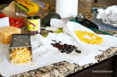 Quick and Delicious Easy Nachos Recipe Vegetarian Nachos, Thanksgiving Recipes, Make It Simple, Appetizers, Cheese, Snacks, Easy, Food, Vegan Nachos