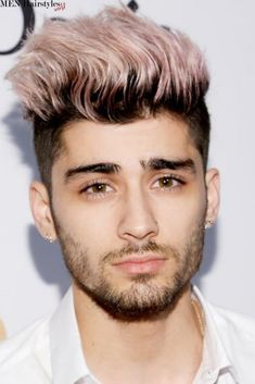 See 15 Celebs Who've Rocked the Pastel Hair Color Trend - Zayn Malik from Celebrity Haircuts, Haircuts For Men, Short Haircuts, Waves Hairstyle Men, Medium Hairstyle, Men's Hairstyle, Pink Hair Guy, Mens Hair Colour, Hair Colors
