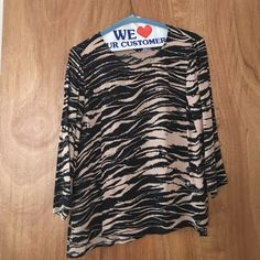 Madewell printed silk top Madewell printed silk top, length is 22 inches. 3/4 sleeve. Excellent condition! Madewell Tops Blouses