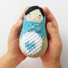 Amigurumi Ela the Matryoshka doll pattern by goolgool Crochet Heart Blanket, Crochet Baby Pants, Crochet Doily Rug, Crochet Shoes Pattern, Crochet Amigurumi Free Patterns, Crochet Doll Clothes, Crochet Baby Booties, Crochet Slippers, Crochet Poncho