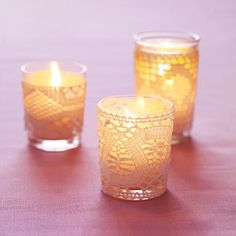 Doily tealights. Sweet and romantic - just like a pretty piece of jewelry ;-)