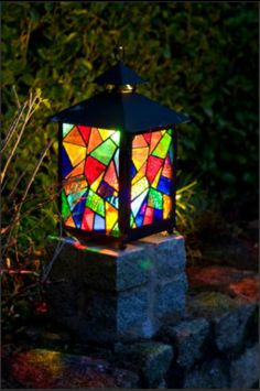 pictures of stained glass garden lanterns | stained glass lantern