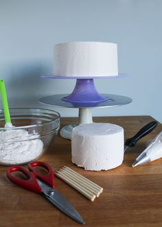 Supplies for Icing a Wedding Cake With Buttercream   Erin Gardner   Craftsy