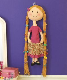 Wall Hair Accessory Holder for little girls - kind of like this as a DIY project.not a doll and maybe just the head & long locks? Flores Flores gomez, this is something your mom can make. Hair Accessories Holder, Organizing Hair Accessories, Hair Product Organization, Diy And Crafts, Crafts For Kids, Wall Hanger, Kids Decor, Diy Hairstyles, Hair Bows