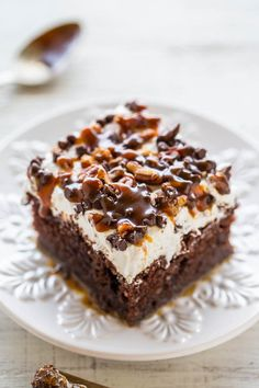 Turtle Chocolate Poke Cake - The flavor of the famous candy in a decadent…