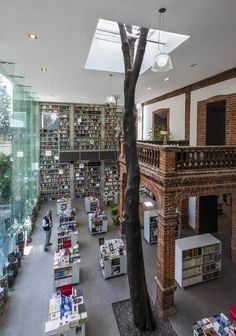 Elena Garro Cultural Center, Mexico City, old home + new structure architect: Fernanda Canales Arquitectura photo credit: Sandra Pereznieto Amazing Architecture, Architecture Details, Interior Architecture, Library Architecture, Interior Design, Beautiful Library, Adaptive Reuse, Mexico Vacation, Library Design