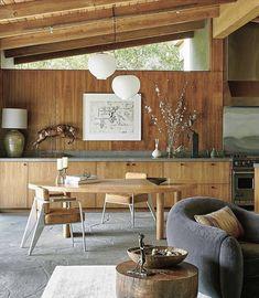 Modern living, home design ideas, inspiration, and advice. Interior Simple, Interior Styling, Mid Century Modern Dining Room, Estilo Interior, Inside Home, Dining Room Design, Dining Rooms, Beautiful Kitchens, Interior Design Inspiration