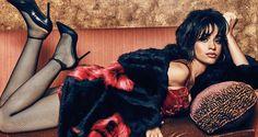 Camila Cabello é cara da campanha Guess Jeans Holiday Season