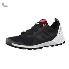 Supernova, Chaussures de Running Compétition Femme, Noir (Utility Black/Core Black/Shock Pink), 43 1/3 EUadidas