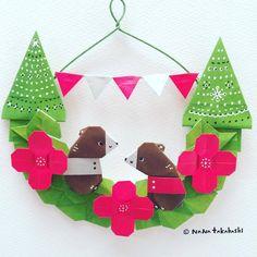 クリスマスカラーで作ってみた。 Christmas color. ・ #origami #wreath #papercraft #bear #tree #garland #christmascolors #nanatakahashi #おりがみ #くま #ツリー #リース #ペーパークラフト #ガーランド #クリスマス #たかはしなな (Ikoma, Nara)
