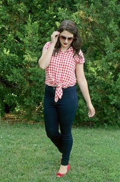Perfect retro Fourth of July style outfit! The red gingham crop top looks so cute with high waisted jeans and red heels! | Mom Style Monday: Red, White, & Blue | Blog Hop!