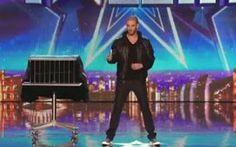 [VIDEO INCREDIBILE] L'Illusionista Più Veloce del Mondo Ecco l'illusionista più veloce del mondo!  E' incredibile la sua velocità!  L'illusionismo è un'arte solitamente eseguita come forma di spettacolo di intrattenimento dove l'artista, comunemente d #video #illusionismo #televisione #illusioni
