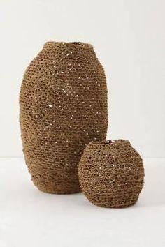 Crochet with hemp twine? Crochet With Hemp, Sisal, Paper Basket, Weaving Art, Crochet Home, Wicker Baskets, Woven Baskets, Crochet Baskets, Basket Weaving