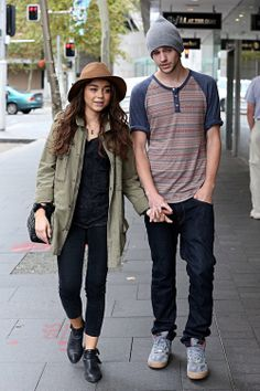 Sarah Hyland and Matt Prokop. Love them!