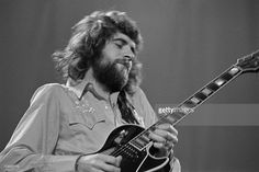 Guitarist Mick Rogers from Manfred Mann's Earth Band performs live on stage at the London Music Festival at Alexandra Palace in London on 5th August 1973.