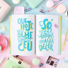 Quotes frases livro siga os baloes insta @blogdomath Typography Inspiration, How To Draw Hands, Calligraphy, Graphic Design, Wallpaper, Drawings, Creative, Instagram Posts, Quotes