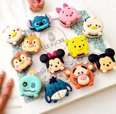disney, food, and macaroons image Disney Desserts, Cute Desserts, Disney Food, Disneyland Food, Disneyland Paris, Disney Parks, Macaron Cookies, Macaron Recipe, Cake Cookies