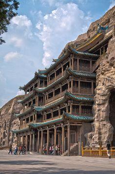 世界遺産 雲崗石窟 中国の絶景写真画像  中国 Beautiful Sites, Beautiful Places, Places To Travel, Places To Visit, China Architecture, Amazing Buildings, China Art, World View, World Photography