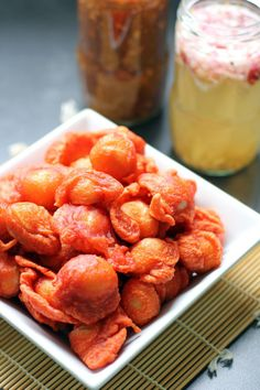 Kwek Kwek is another famous Filipino street food which is made out of deep fried battered hard boiled quail eggs served with dips like spiced vinegar Filipino Street Food, Filipino Food, Filipino Dishes, Kwek Kwek Recipe, Comida Filipina, Pinoy Food, Filipino Recipes, World Recipes, Food Cravings