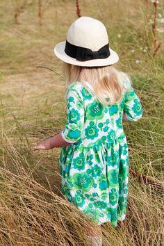 Childrens fabric and fabrics, Sewing, sy, sytt, nähen, liandlo, kinderstoffe, stoff, kangas, tyg, tyger, Fabric for children, sewing, retro, flowers, vintage