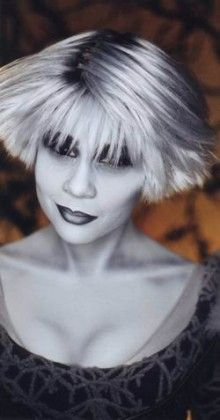 I always loved Chiana from Farscape's style/colouring. Could use this skin colouring for my alien presenters.