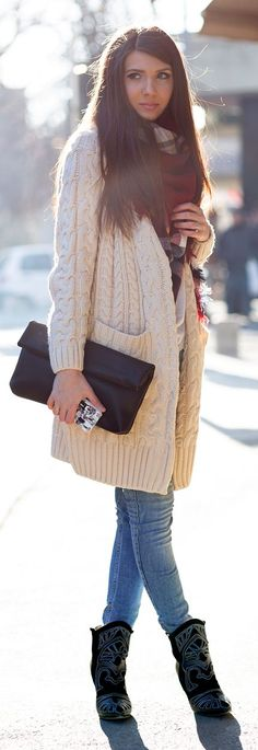 Cream Cable Knit Oversize Cardigan # Mysterious girl Trends Of Winter Apparel Oversize Cardigans Cardigan Cream Cardigan Cable Knit Cardigan How To Wear Cardigan 2015 Cardigan Where To Get Cardigan How To Style Big Cardigan, Oversized Knit Cardigan, Fall Winter Outfits, Autumn Winter Fashion, Winter Style, Fall Fashion, Mysterious Girl, Cozy Fashion, Latest Fashion Trends