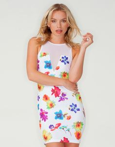 2f4e5b60c6 Motel Val Bodycon Plunge Neck Dress in White Optical Flower Print