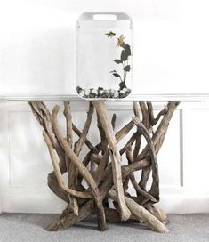 Are you interested in our driftwood console table? With our console tables you need look no further. Driftwood Fish, Driftwood Table, Driftwood Furniture, Diy Furniture, Furniture Design, Wooden Decor, Wooden Diy, Diy Wood Projects, Wood Crafts
