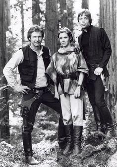 Harrison Ford (Han Solo), Carrie Fisher (Princess Leia) & Mark Hamill (Luke Skywalker) in Star Wars: Return of the Jedi Star Wars Film, Star Wars Rebels, Star Wars Art, Star Trek, Star Wars Love, Theme Star Wars, Star War 3, Luke Skywalker, Harison Ford