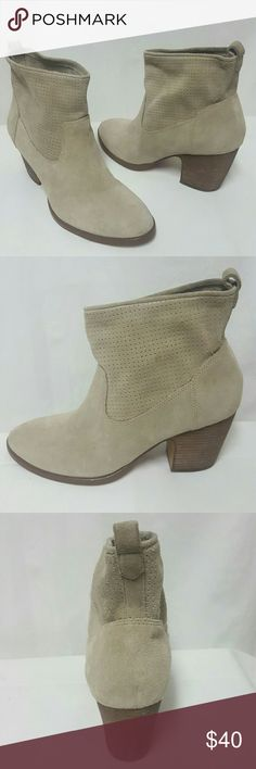 Ivanka Trump taupe suede ankle boots size 8.5 Ivanka Trump boots in mint condition. Size 8.5, suede, heel is about 2.7 inches, top to bottom of boot is about 7.7 inches. Thank you Ivanka Trump Shoes Ankle Boots & Booties