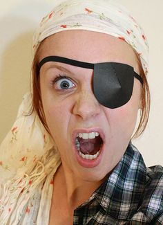 how to make a pirate eye patch with paper