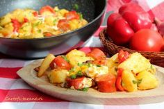 Reteta Cartofi taranesti Mozzarella, Baked Potato, Potato Salad, Potatoes, Meat, Chicken, Baking, Ethnic Recipes, Food