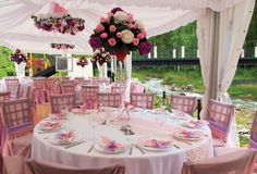 For the couples who want to have a spring wedding, garden wedding themes are the best choice. They can have a garden wedding theme indoor or outdoor. Here are 24 fresh garden wedding theme ideas to inspire you. Wedding Reception Table Decorations, Outdoor Wedding Reception, Wedding Receptions, Wedding Themes, Wedding Centerpieces, Wedding Colors, Wedding Ideas, Centerpiece Ideas, Reception Ideas