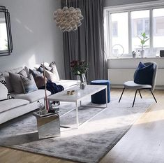 Living Room Rug Design Ideas To Take Your Breath Away - Best Home Ideas and Inspiration Dark Living Rooms, Rugs In Living Room, Minimalist Interior, Minimalist Bedroom, Small Space Living, Living Spaces, Minimalist Kitchen Tiles, Outside Wall Decor, Lounge Decor