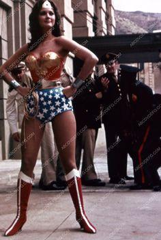 gorgeous Lynda Carter TV Wonder Woman 35m-2020