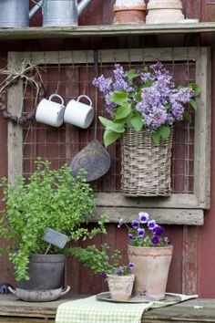 Having a potting bench makes working in the garden so much easier and more organized. Here's a great collection of DIY potting bench ideas. Garden Art, Garden Design, Garden Sheds, Garden Pool, Easy Garden, Potting Tables, Walled Garden, Potting Sheds, Deco Floral