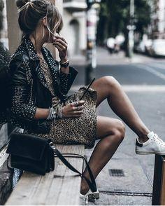 10 Incredible Unique Ideas: Urban Fashion Plus Size Dresses urban fashion streetwear. Urban Outfits, Mode Outfits, Casual Outfits, Fashion Outfits, Fashion Tips, Rock Chic Outfits, Style Fashion, Urban Dresses, Fashion Poses