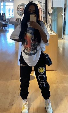 Skater Girl Outfits, Swag Outfits For Girls, Cute Swag Outfits, Teenager Outfits, Trendy Outfits, Outfits With Jordans, Tomboy Fashion, Teen Fashion Outfits, Retro Outfits