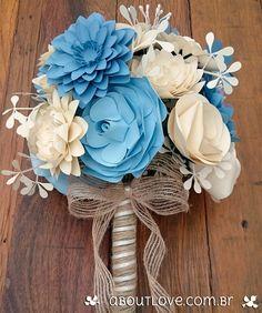 Buquê de flores e folhagens feitas em papel e acabamento em juta - AboutLove
