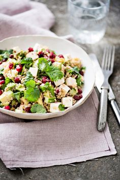 Pomegranate Couscous with Feta and Avocado Bulgur Salad, Couscous, Summer Salads, Pomegranate, Cobb Salad, Feta, Side Dishes, Vegetarian, Lunch
