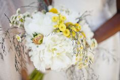 Real-california-wedding-bridal-bouquet-vintage-ivory-yellow.full