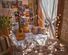 Image discovered by amhallhaldayh. Find images and videos on We Heart It - the app to get lost in what you love. Room Ideas Bedroom, Bedroom Decor, Bedroom Inspo, Cute Room Decor, Hipster Room Decor, Indie Room, Aesthetic Room Decor, Cozy Room, Dream Rooms