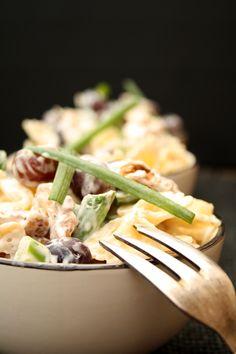 Pasta salad with cream cheese dressing - Essen - Salat Party Finger Foods, Gnocchi, Cilantro, Pasta Salad, Asparagus, Green Beans, Grilling, Salads, Food Porn