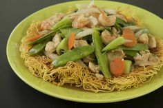 Crispy Egg Noodles (Mì Xaò Dòn) - AMAZING!!! next time use 1 chicken breast